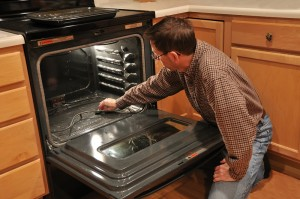 oven-cleaning-300x199